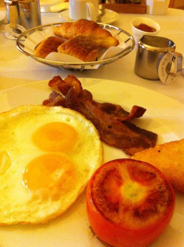 excelsior hotel- intercontinental breakfast