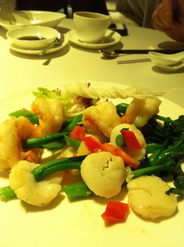 yee tung heen scallops with XO sauce